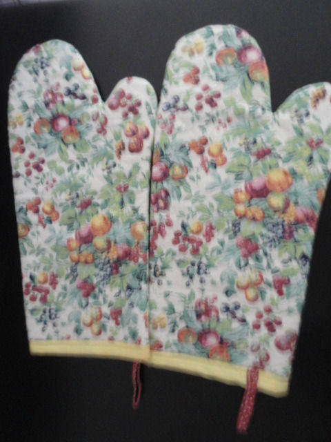 """Vtg 2 Over Size """"Fruit Pot Holders""""  NEW No Tag 15.5""""x7"""""""