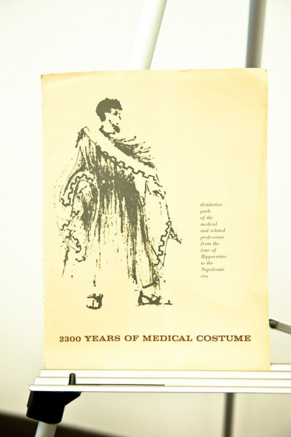 2300 Years of Medical Costume Complete Original Set In Folder 1962 Mint Cond