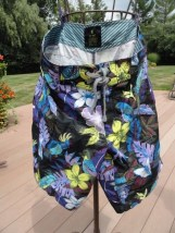 Men's OLD NAVY Tropical Swim Trunks Suit Leaves Floral Medium Purple Black Green