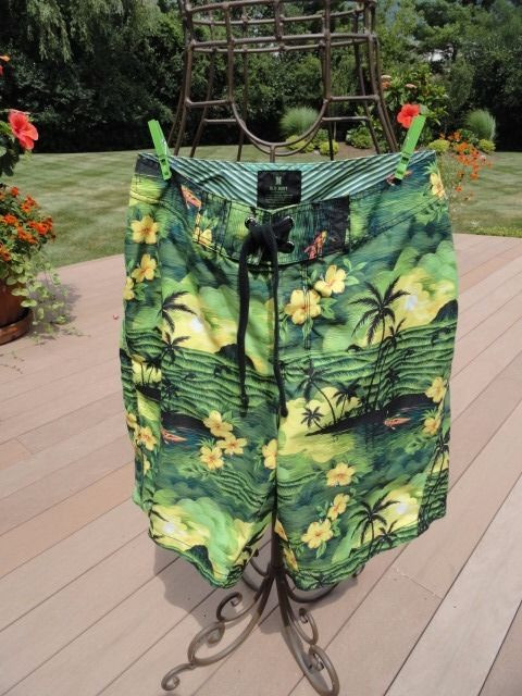 Men's OLD NAVY Tropical Hawaiian Swim Trunks Suit Medium  Black Green NWOT