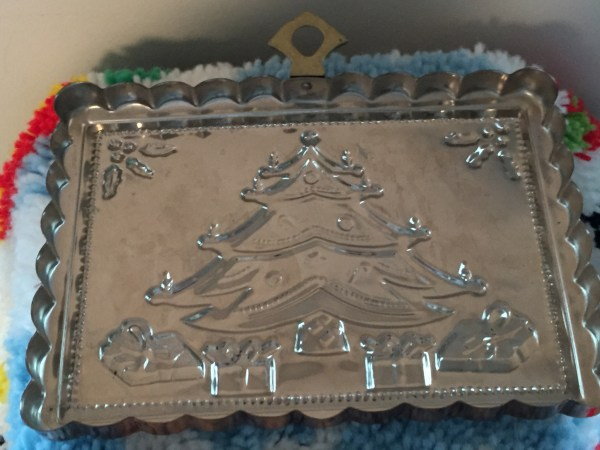 Vintage Hanging Copper Christmas Tree With Presents Food Gelatin Mold