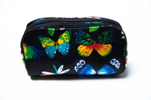 Vintage ADRIENNE VITTADINI Makeup Bag Butterfly Flowers is vintage makeup bag