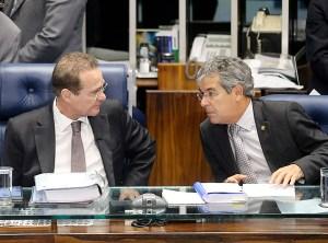 Os senadores Renan Calheiros (PMDB-AL) e Jorge Viana (PT-AC) na sessão do Senado