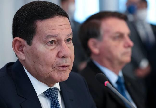 Ministério Público pede afastamento de Bolsonaro da gestão da crise da covid-19