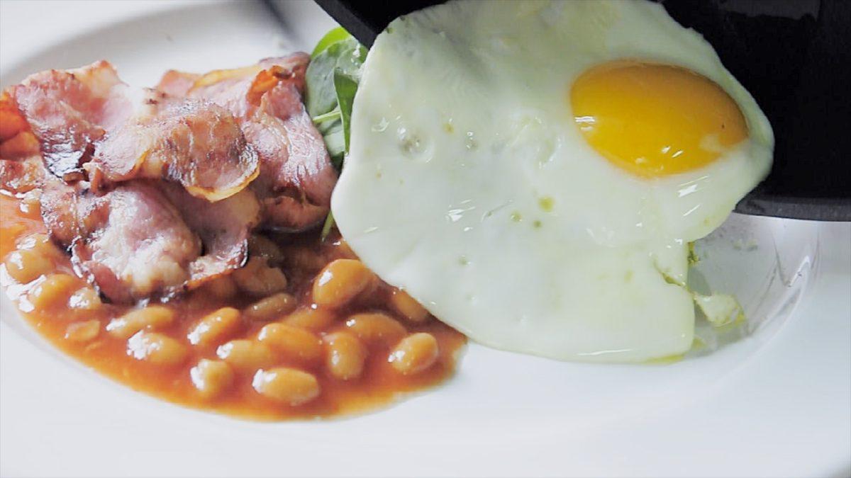 三種荷包蛋煎法!太陽蛋、麥當勞蛋與兩面蛋(影片)