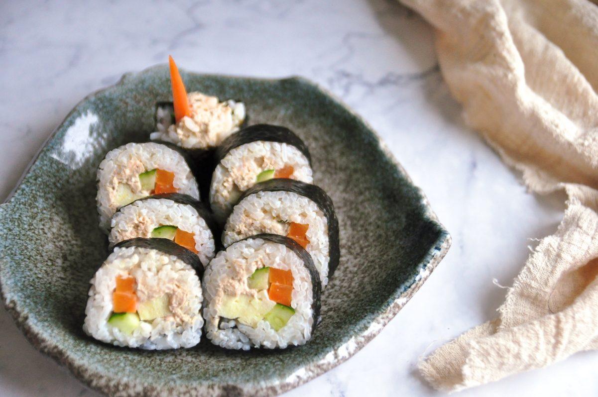 鮭魚壽司捲(捲法步驟拆解)