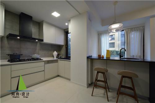 cleaning kitchen floors tile floor ideas 定期清洁厨房地板保证厨房卫生 清洁厨房地板