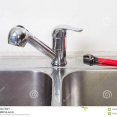 Kitchen Sinks And Faucets Hansgrohe Faucet 厨房水槽水龙头的高度一般是多少水龙头安装高度要考虑哪些问题 厨房水槽和水龙头