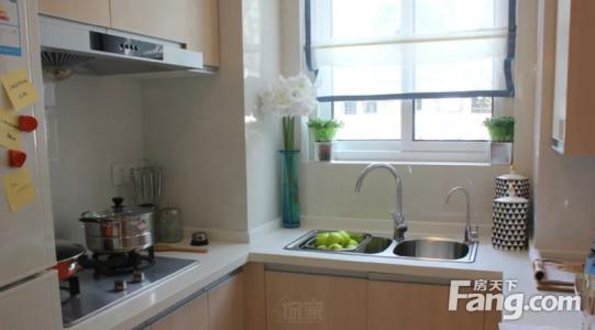 easy kitchen remodel taps 上海厨房翻新一平米价格 如果高档厨房装修需要1100 1200元 如果是中档厨房装修需要7000 8000元 如果是一般化厨房装修就需要4000 5000元就可以 再简单 点3000元左右