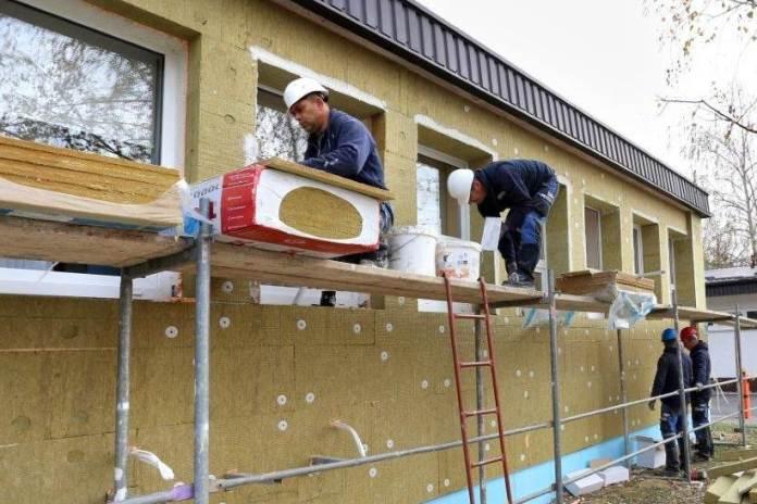 U tijeku je energetska obnova Doma zdravlja u Jastrebarskom