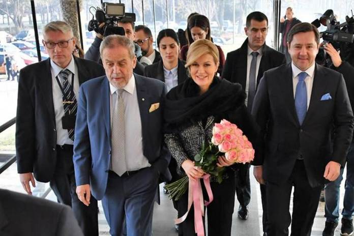 Predsjednica Grabar-Kitarović posjetila Gradsku upravu, Zagrebački inovacijski centar i naselje Podbrežje