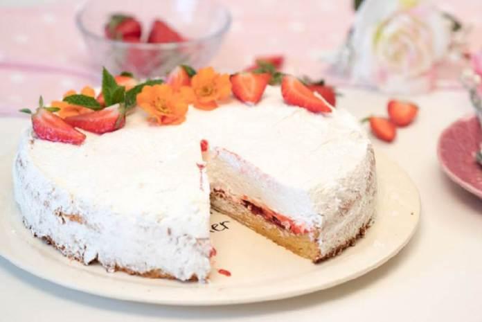 BOBANOVA TORTA S BIJELOM ČOKOLADOM: Omiljena torta u malo drugačijem izdanju