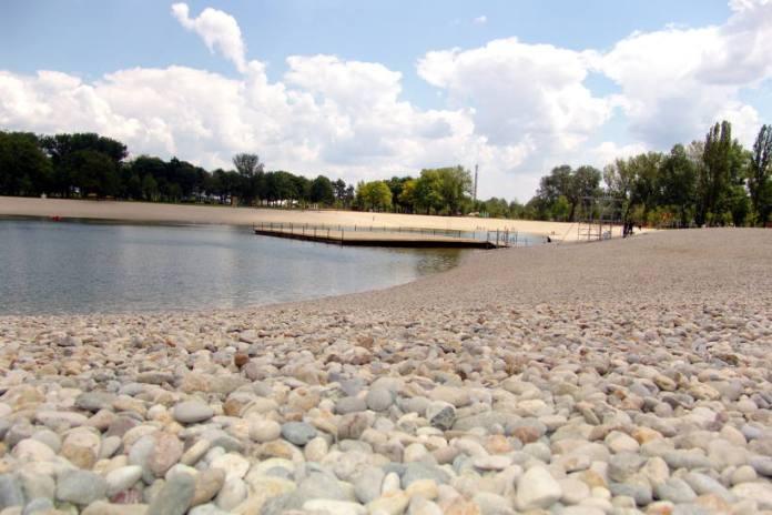 Do daljnjega zabranjeno kupanje na Bundeku, u vodi pronađena opasna bakterija!