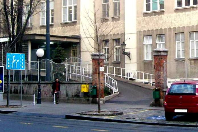 Zbog radova se na tri dana zatvara glavni ulaz Klinike za traumatologiju