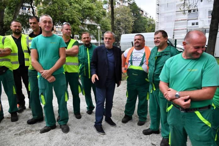 Milan Bandić s radnicima Zrinjevca