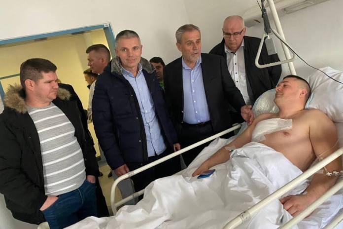 OVO JE DJELATNIK ČISTOĆE koji je ranjen dok je sprječavao pljačku, Bandić ga je danas posjetio u bolnici