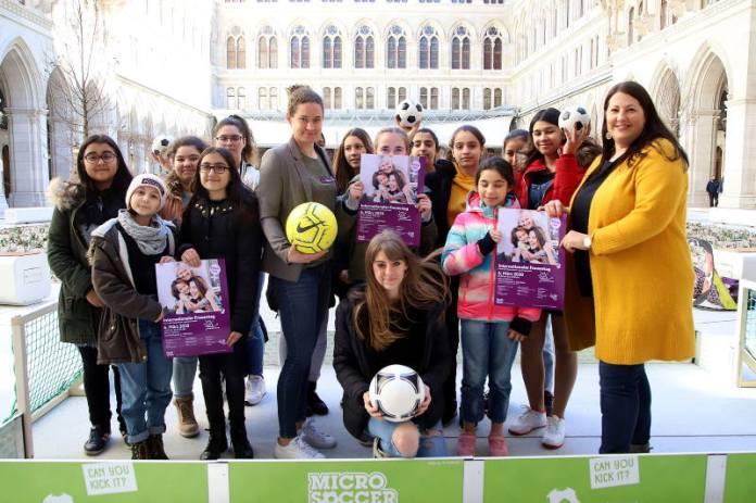 Dan žena u Beču u znaku nogometa i politike