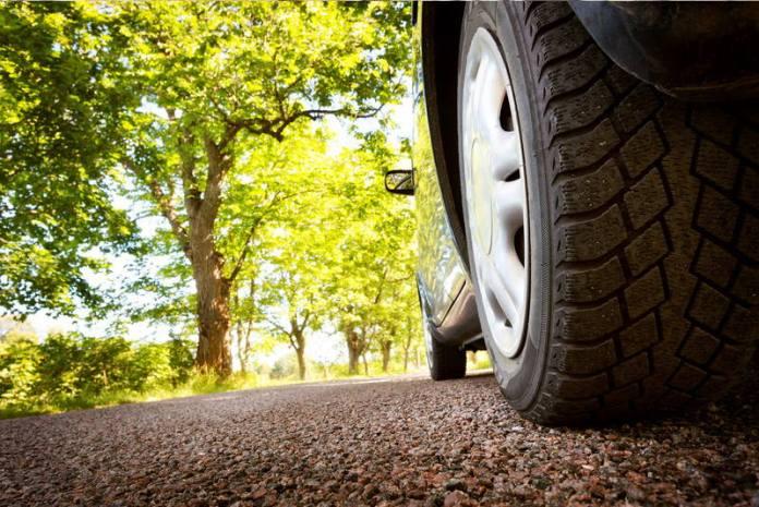 NEMA VIŠE PARKIRANJA U PARKOVIMA: Grad dao rok do kojeg sva vozila moraju biti uklonjena