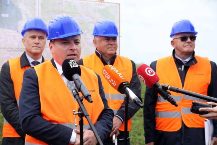 Čička Poljana neće više plaviti, počela je izgradnja nasipa dugačkog gotovo sedam kilometara