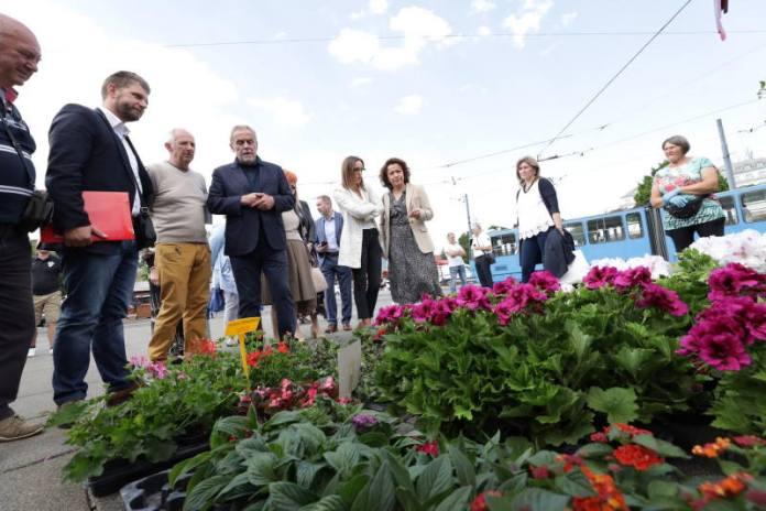 Dani cvijeća po 13. put na Trgu kralja Tomislava i na okretištu Dubec