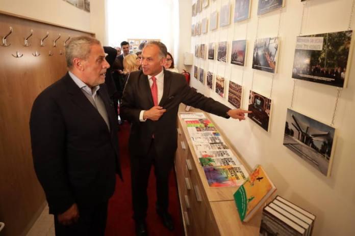 U Zagrebu otvorena Središnja knjižnica Roma u Hrvatskoj