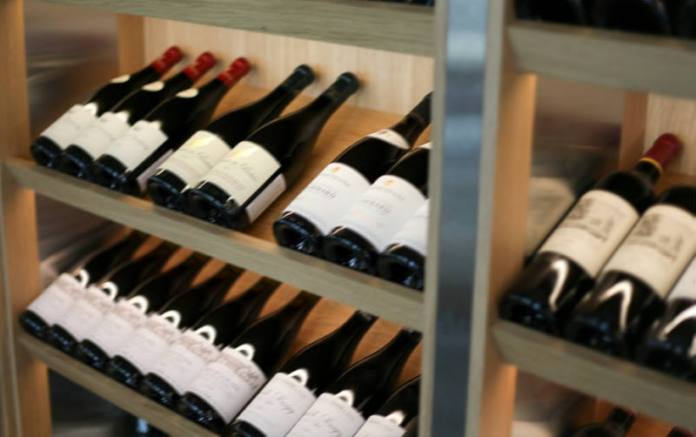 OTKRILA IH INSPEKCIJA: U bocama s hrvatskim etiketama prodavali vino iz Čilea, Italije i Makedonije