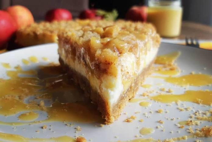 KREMAST I MIRISAN: Cheesecake sa jabukama i karamelom