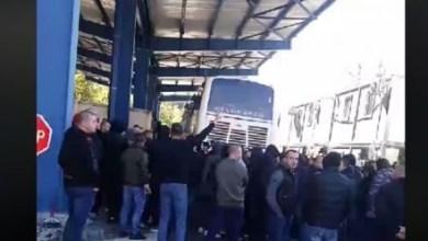 Photo of Video/ Tension në veri të Kosovës, policia ndalon ekipin dhe tifozët e Crvena Zvezdës