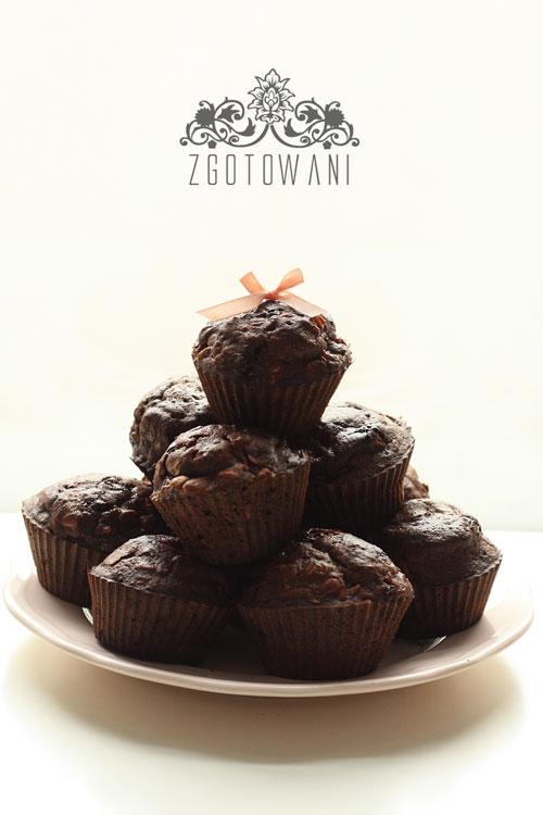 czekoladowe-muffinki-z-bananami-1