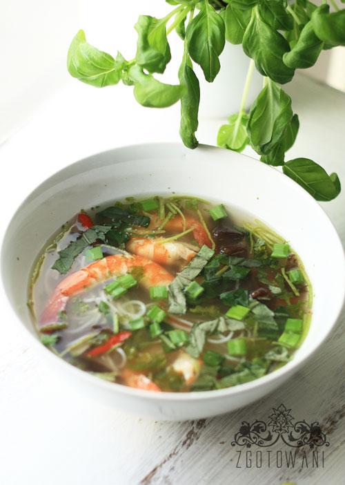 pikantna-zupka-z-krewetkami-4