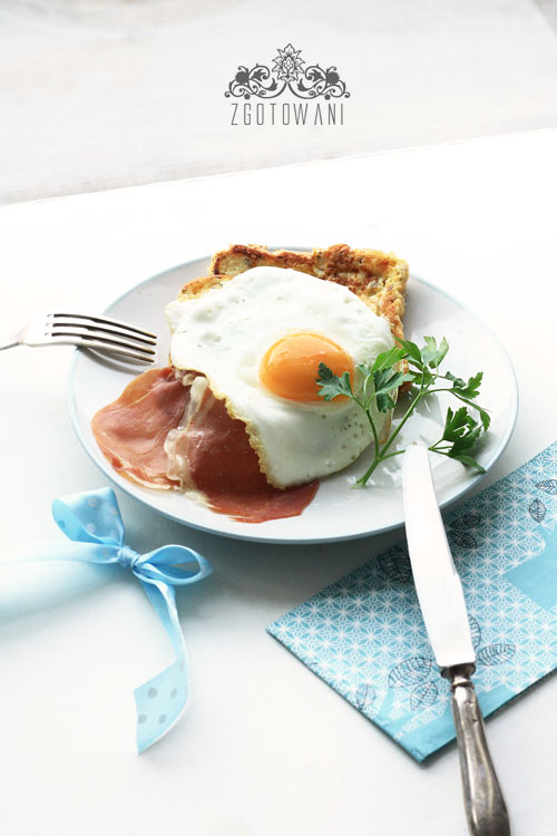 tost-francuski-z-jajkiem-sadzonym-i-szynka-serrano-3