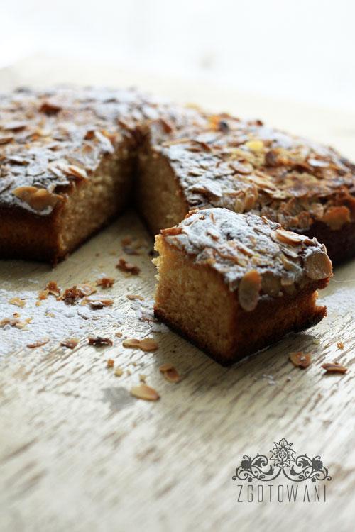 szybkie-ciasto-z-migdalami-3