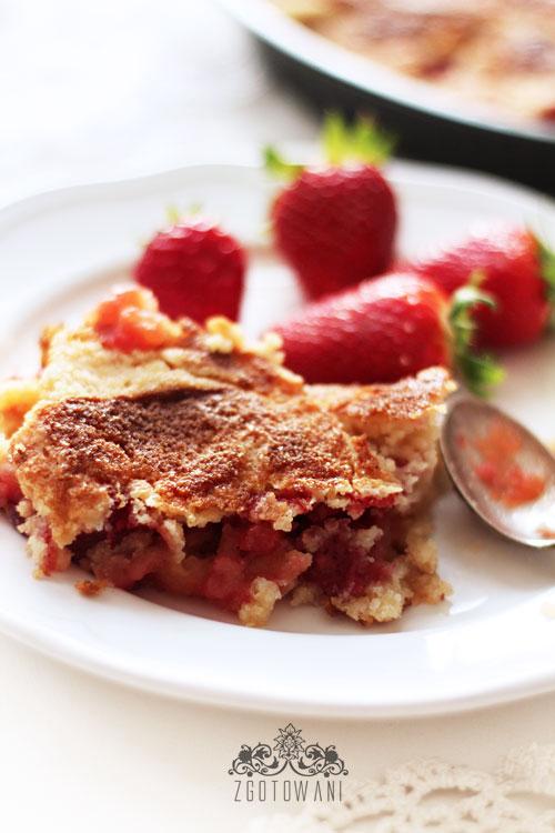 ciasto-sypane-z-jablkami-i-truskawkami-8