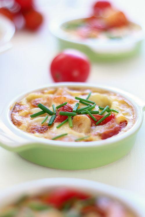 fritatta-z-krewetkami,-pomidorkami-i-serem-mozzarella