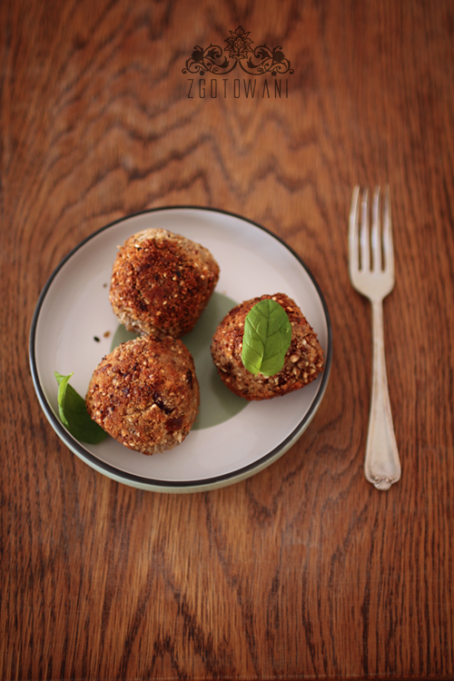 kotleciki-z-kaszy-gryczanej-z-suszonymi-pomidorami-i-mozzarella-6