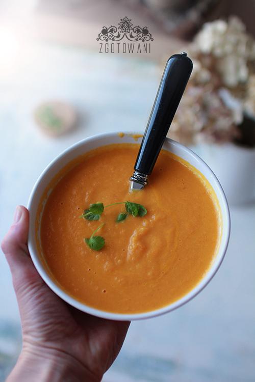 zupa-krem-z-marchwi-z-mleczkiem-kokosowym-i-imbirem-2
