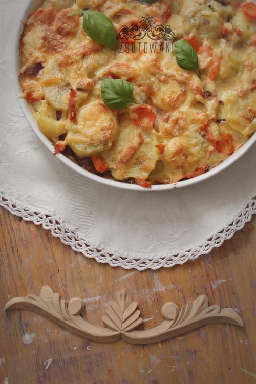 zapiekanka-z-ziemniakami-i-wedzonym-lososiem-3
