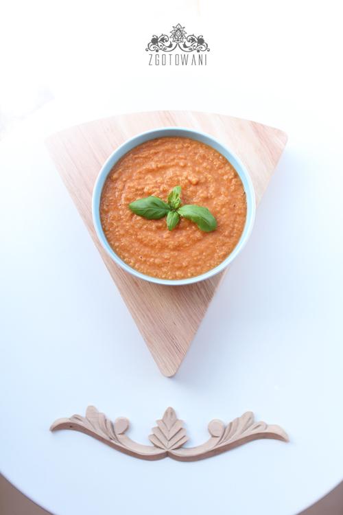 zupa-krem-z-pomidorow-i-ciecierzycy-10