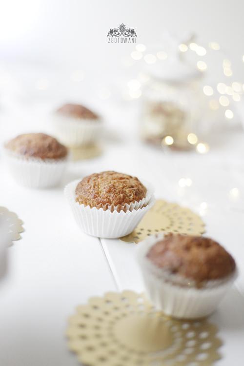 Świąteczne muffinki z orzechami