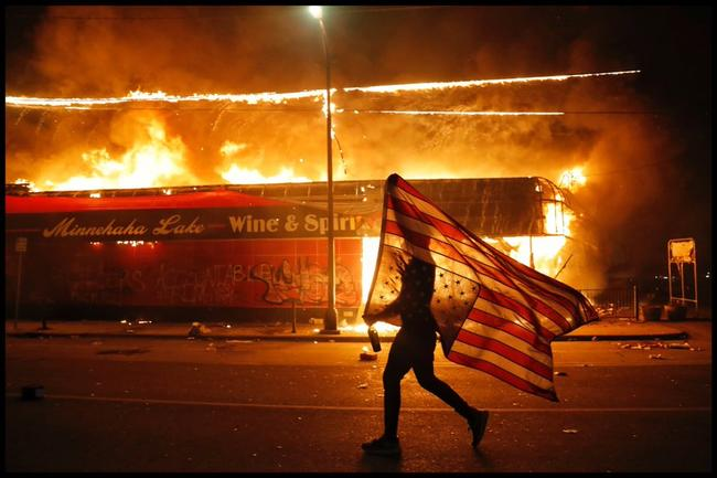 """""""They Motherf**kers Need To Go Home!"""" - Locals Rage At Rioters As Minneapolis Burns"""