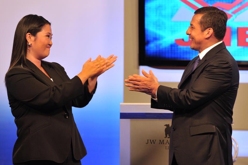 """A versão feminina do """"fujimorismo"""" CRIS BOURONCLE/AFP"""