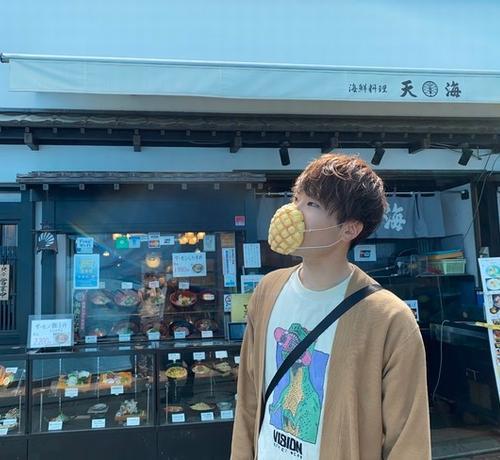 日本企業推出了可以吃的口罩...還是菠蘿包味的