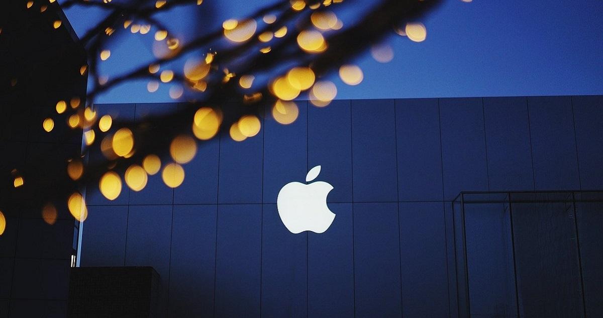 苹果13年营销布局 iPhone 12不送充电器的套路解析
