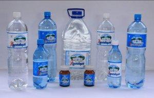 Минеральная вода при запорах: какую выбрать, как пить правильно