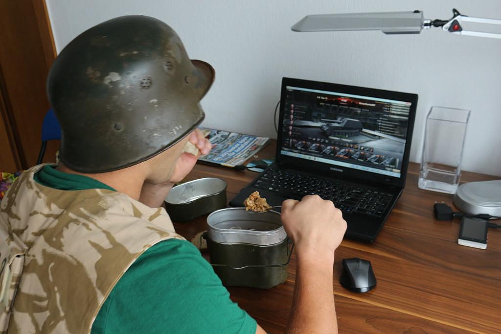 Муж играет в игровые автоматы православие играть виртуально в игровые автоматы