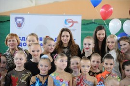 Zhenya in the opening ceremony of tournament doll in the competition Crystal beads-22Oct2012-02