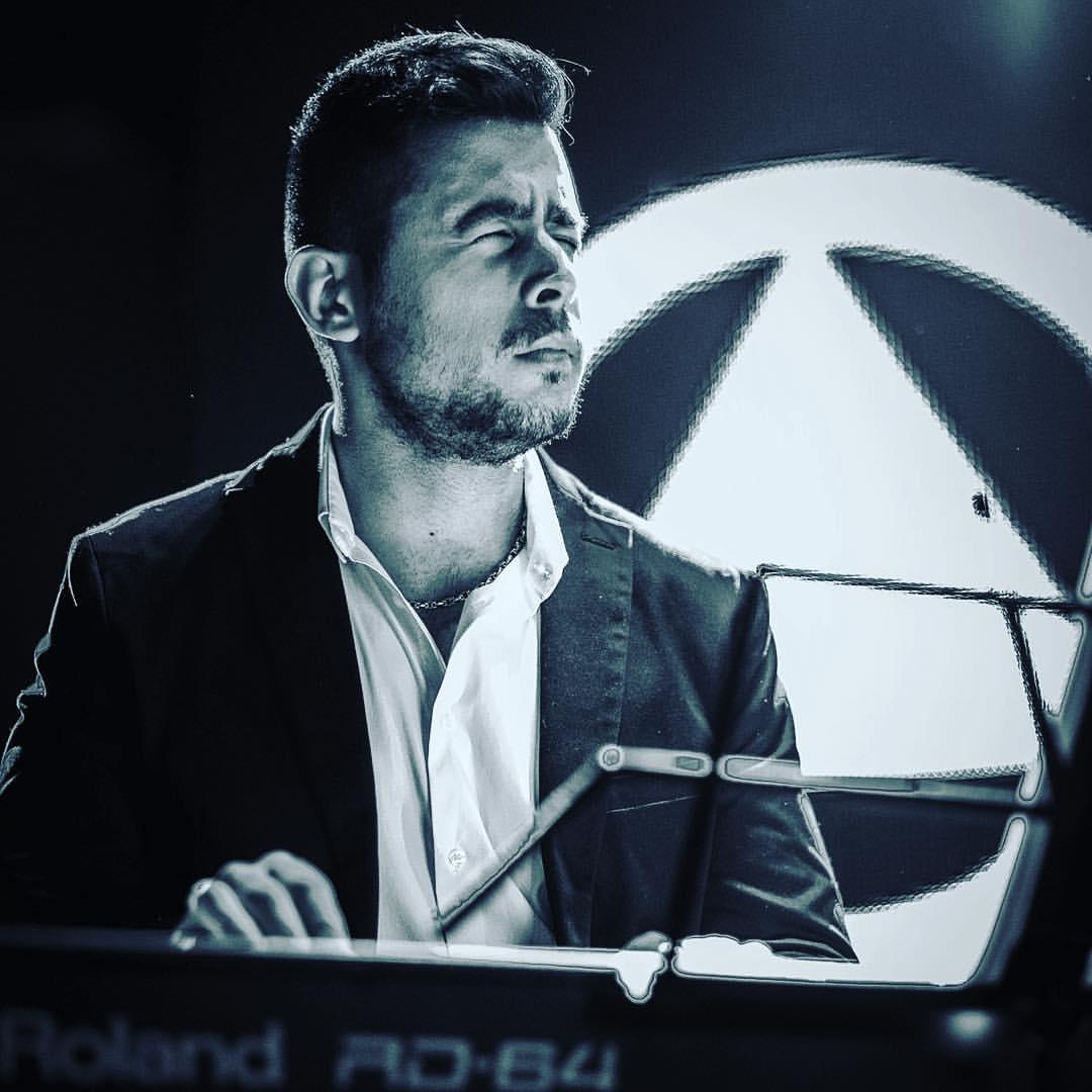 zhikvo-vasilev-live-concert-performance-kaval