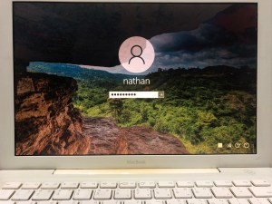 [SUCCESS] 安裝 How to install windows 10 on old MacBook like A1181 2006 and later with BootCamp