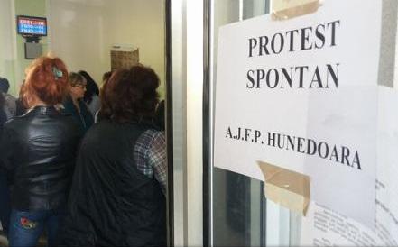 protest finante