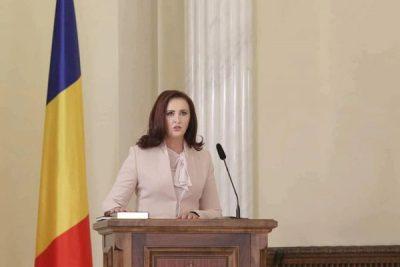 """Deputatul Natalia Intotero despre """"Guvernul Austeritate"""" și planurile lui pentru tineri"""